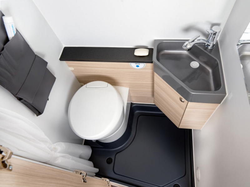 113-v-bathroom-fromtop-big-thumb
