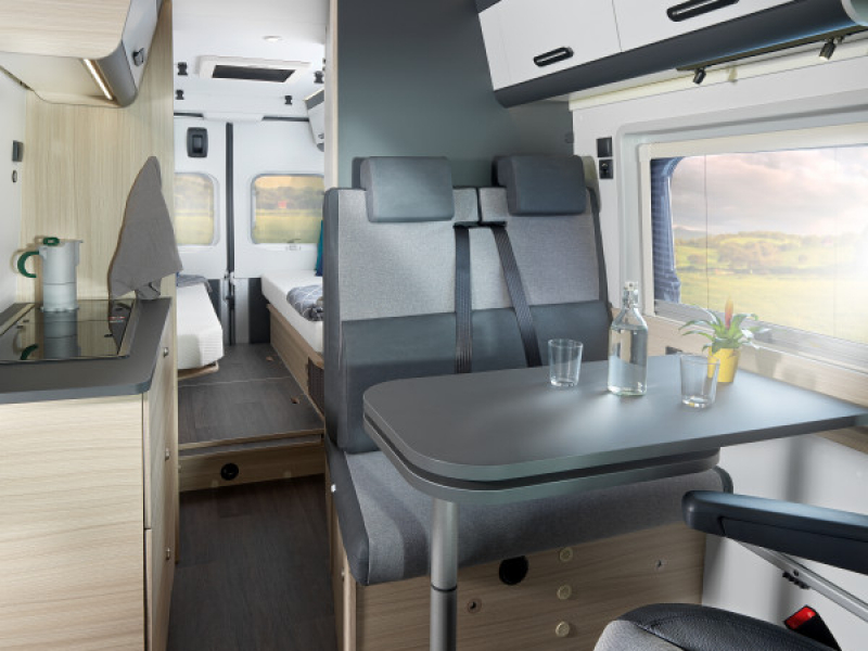 811-v-v-65sl-hero-day-big-thumb